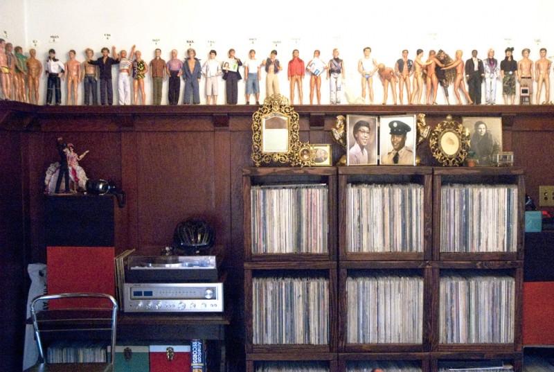simple deep brown wooden vinyl storage