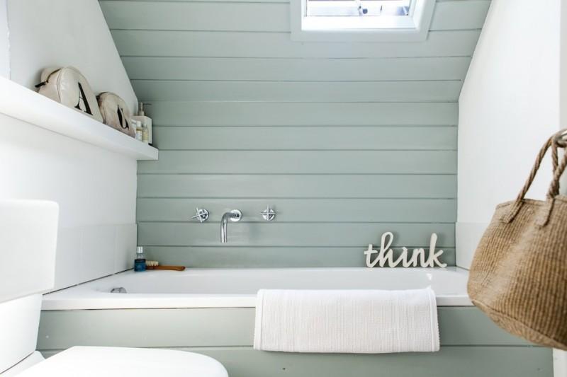 beach style blue horizontal wood paneling in bathroom