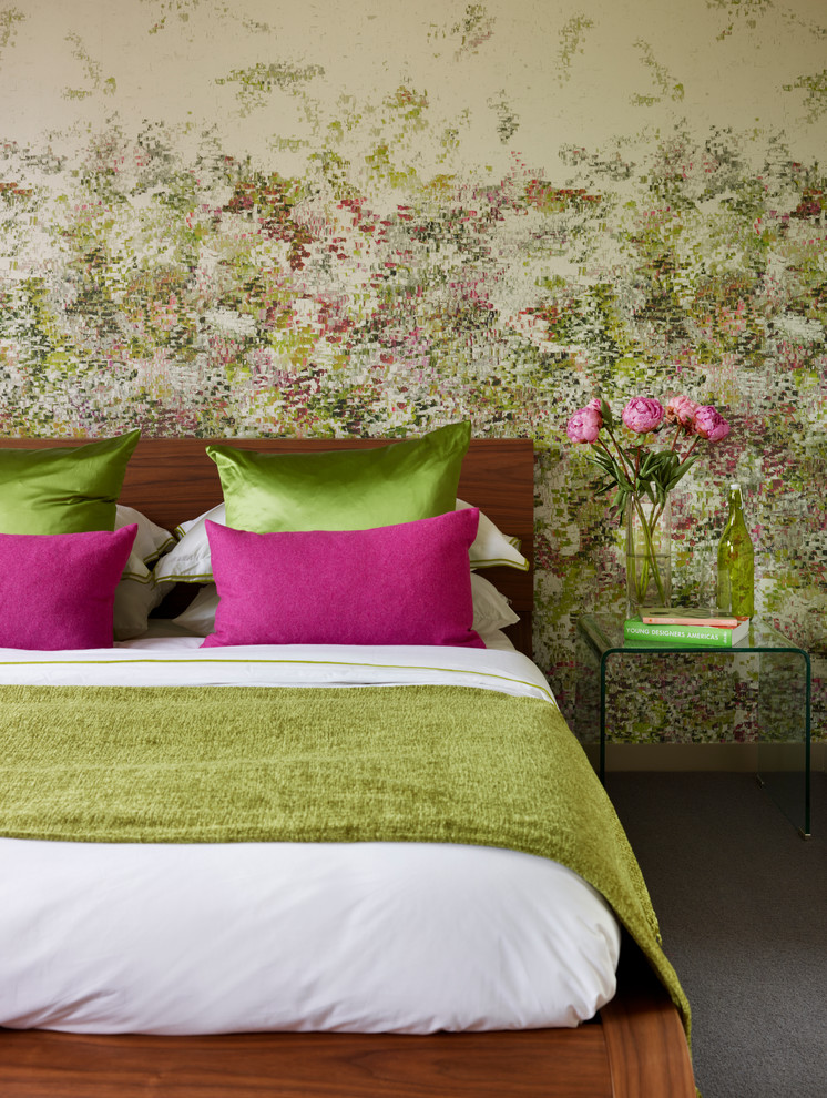 best colour combination for ur bedroom green rose color bed table flowers wall decor pillows wood