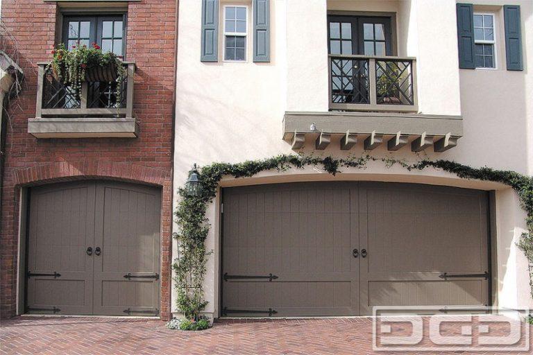 Garage Door Color Ideas For Brick House Designs