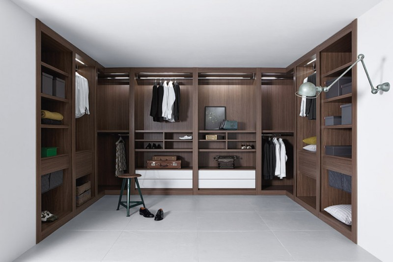 contemporary recessed and U shape walk in closet for men in dark finishing grey flooring system grey ceiling tiny chair with green base