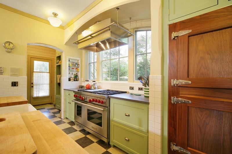 kitchen flooring modern appliances wood big windows transparent door clock ceiling lamp wall storage