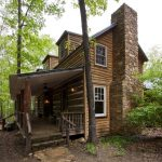 Log Cabin Construction In Rustic Style Mid Size Front Porch With Rustic Log Railings