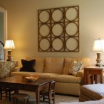 Dark Brown Coffee Table Beige Wall Wooden Wall Decoration Brown Pillow Soffa Lamp Table Cream Rug