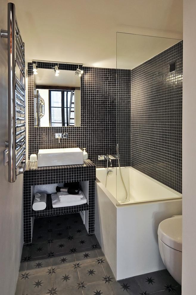 white small square bathtubs