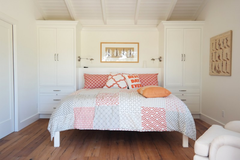 guest bed for small spaces hardwood floor cabinets pillows big bed farmhouse bedroom