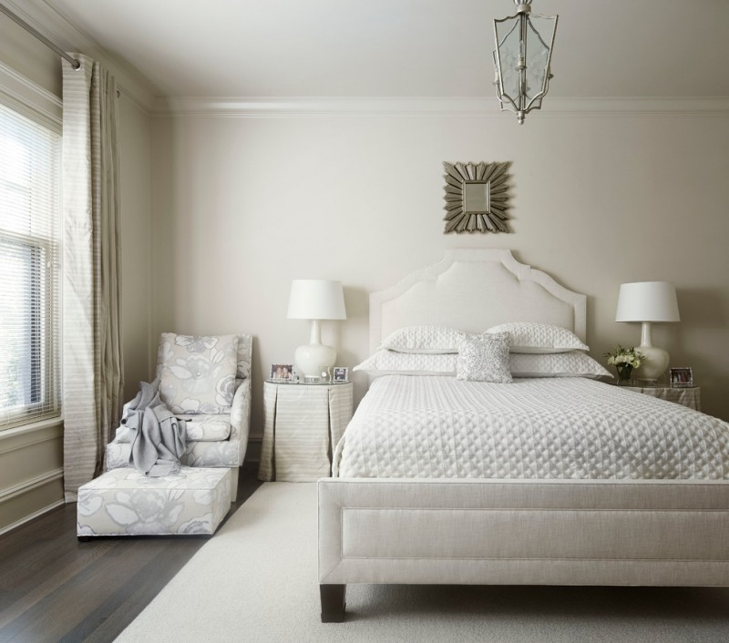 hudson park bedding table lamp wooden floor carpet window blinds wall decoration sheet chaise transitional style