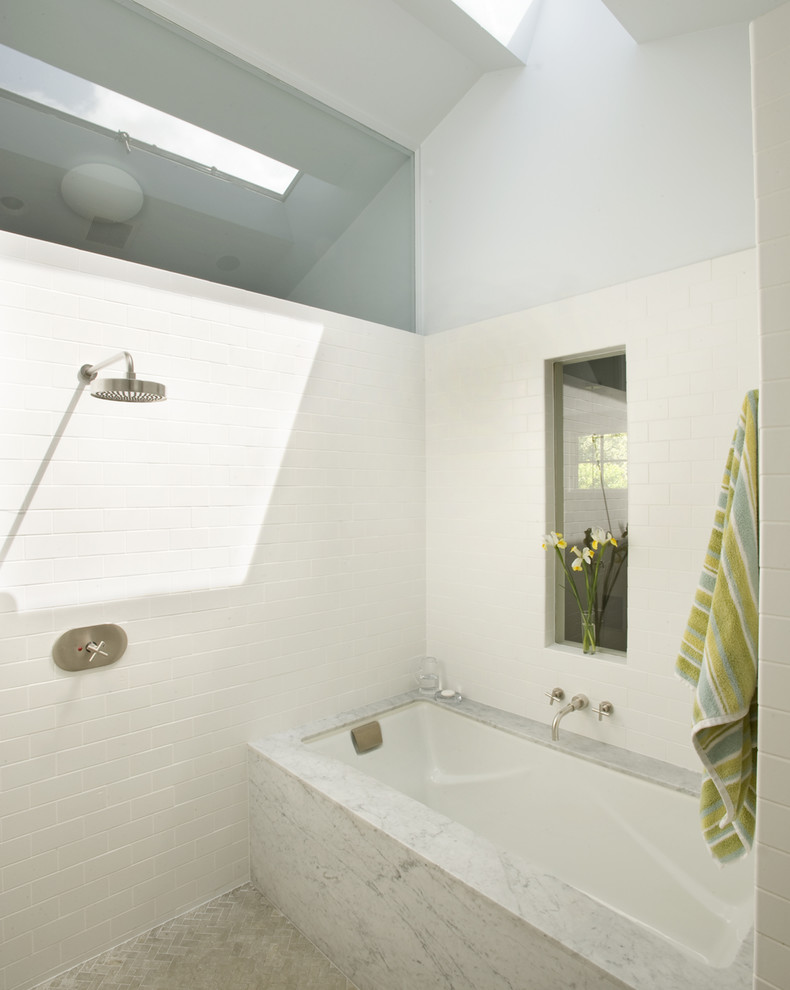 jacuzzi tub shower combo bathtub flowers towel small window faucet contemporary bathroom
