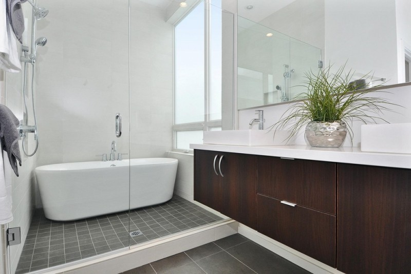 Jacuzzi Tub Shower Combo Decorative Plant Towels Racks Faucets Window Mirror Bathtub Contemporary Bathroom