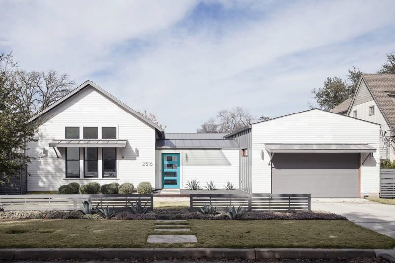 luxury ranch house plans white exterior gable roof windows door covers fence garden stone pavers farmhouse design