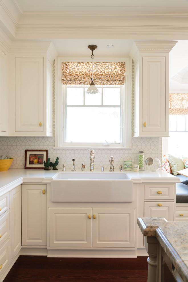 pedestal sink with backsplash kitchen island hardwood floor panel cabinets ceramics storage decoration countertop traditional style