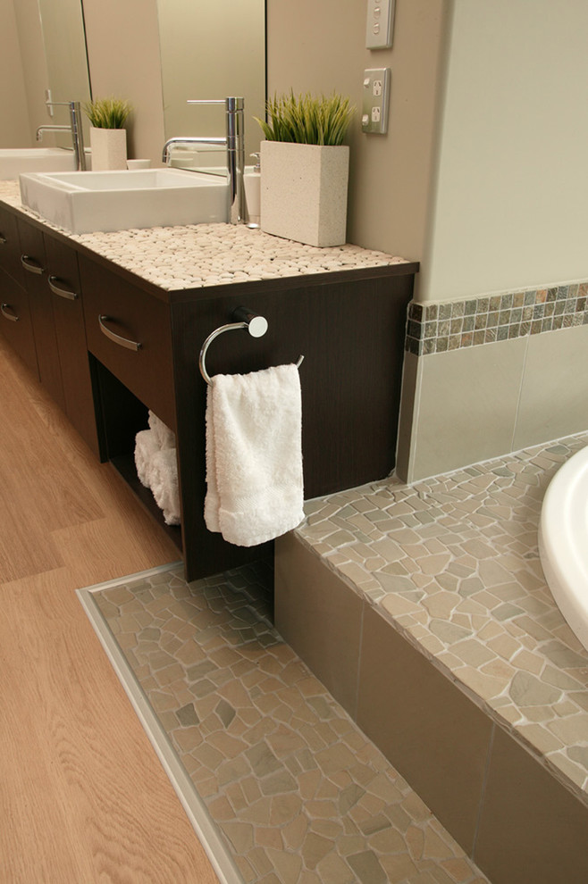 Ideas For Towel Bar In Your Bathroom Decohoms