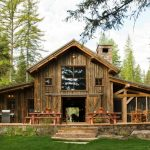 Houses That Look Like Barns Benches Tables Chairs Windows Lamps Sliding Doors Rustic Exterior