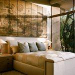 Art Deco Bedroom Asian Screens Asian Style Bedroom Beige Bed Beige Cushion Bedframe Floor To Ceiling Table Lamp Wooden Drawers
