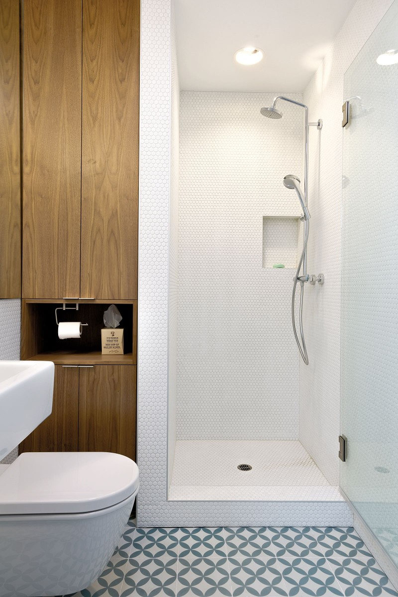 wall mirror tiled tub tiled wall tiled floor wall mounted toiled wall mounted sink recessed lights bathtub (2)
