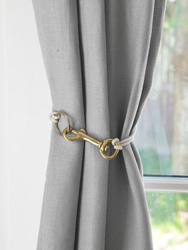hook kind of curtain tie back