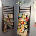 Wooden Rail On The Wall With Books On It, Grey Wall, Plane Ceiling Decoration, Wooden Floor
