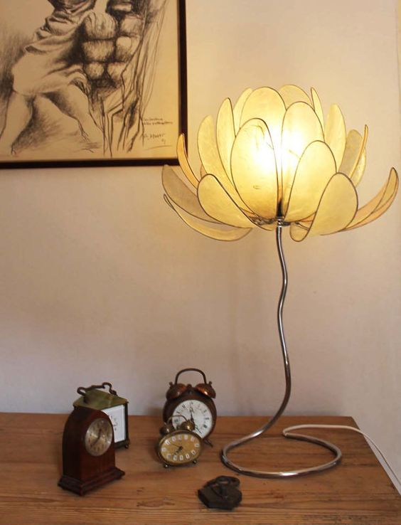 10. realistic flower buds of lotus table lamp shade