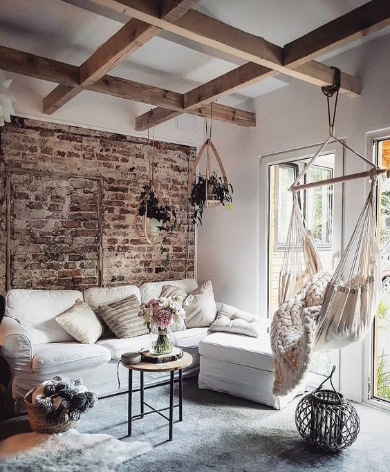 Making The Rooms Look Comfortable With Hammocks And Swings