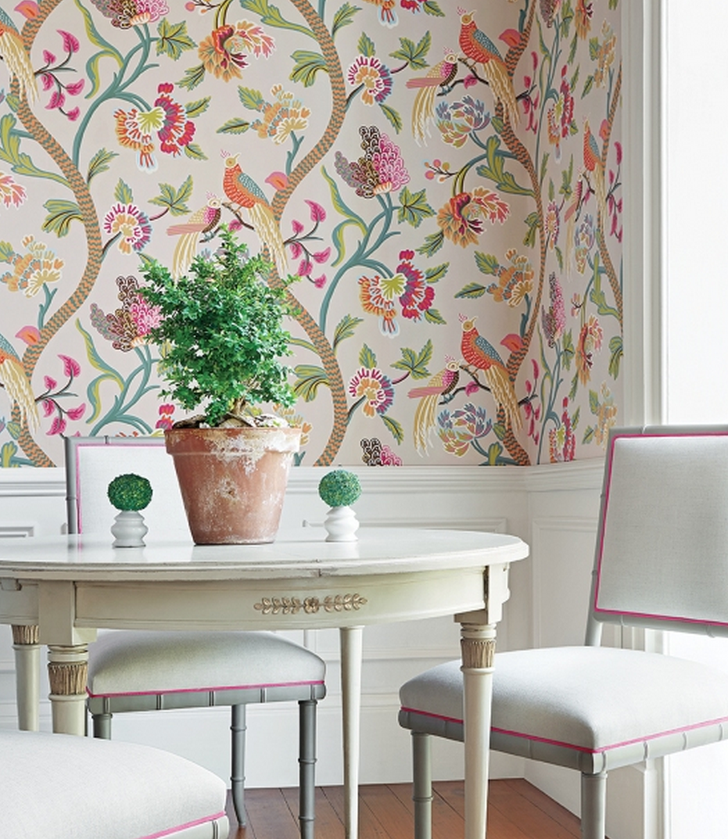 dining room, white wainscoting, flowery wallpaper, white round tulip table, white chairs